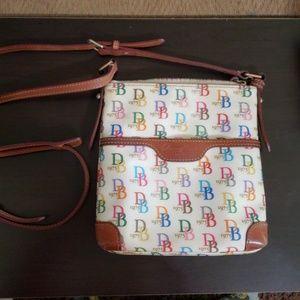 Dooney & Bourke Bags - Dooney and Bourke crossbody